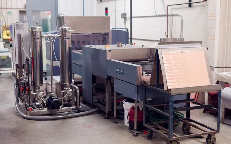 Calumet Electronics Pola Massa deburring machine